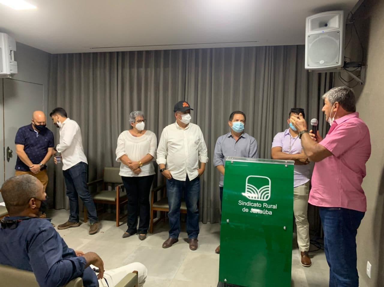 Liderados-pela-ABANORTE,-os-fruticultores-norte-mineiros-reiteraram-as-reivindicacoes-da-fruticultura-irrigada-